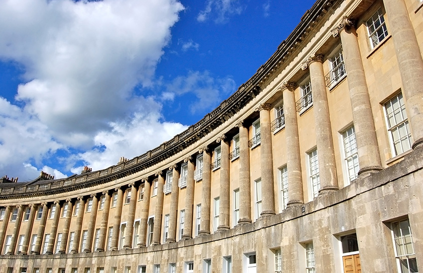 Motorhome hire England - Tour around Bath by motorhome