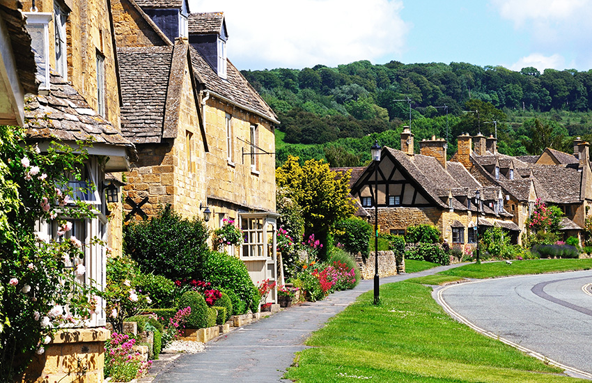 Tour around the Cotswolds by motorhome