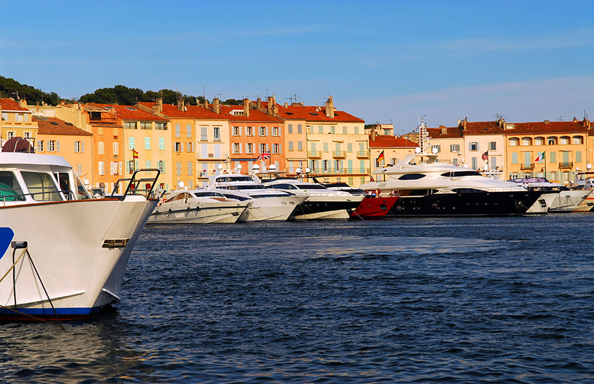 St-Tropez tour by motorhome