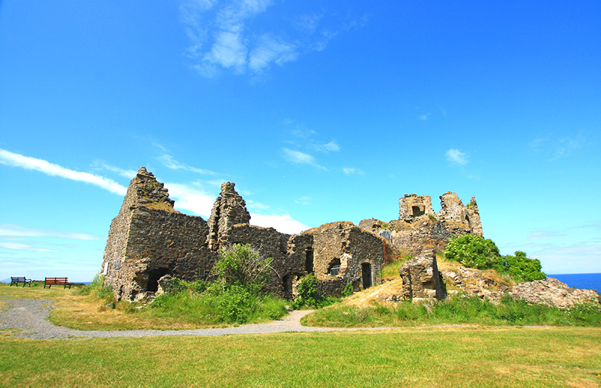 Tour scotland by motorhome - Ayrshire ruins