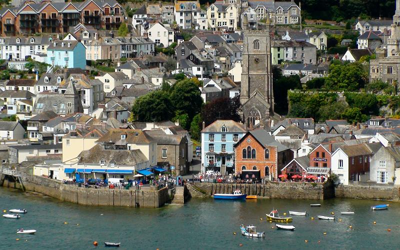 Visit Fowey on your motorome holiday around Cornwall and take a stroll around the quay