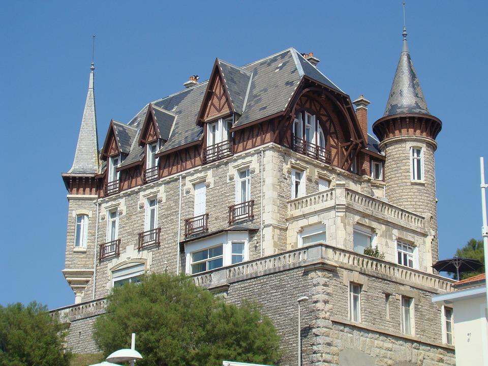 Biarritz house-973068_960_720