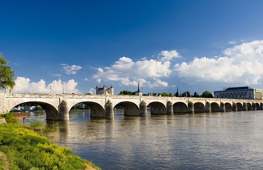 Motorhome hire around Loire in France
